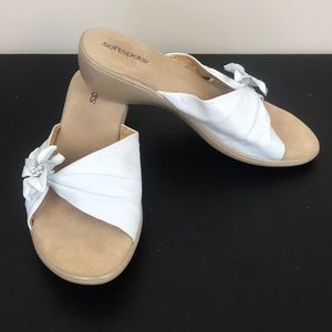 Comfortable White Flower Leather Wedges